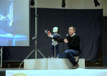 robot-icub-rotary-4